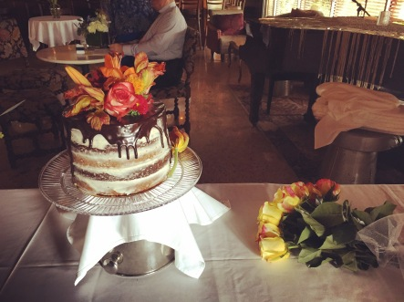Naked cake! just change the flowers for each season